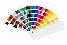 kräftige farben überstreichen wie kann rote farbe verdunkeln so klappt s bei wandfarbe