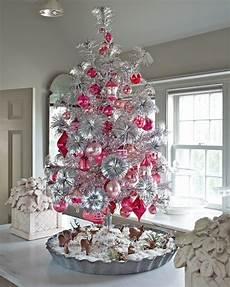 Malvorlagen Weihnachtsbaum Rosa 4 Adventskerzen Clipart Search Results Calendar 2015