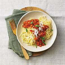 Spaghetti Mit Gemüse - spaghetti mit gem 252 se bolognese brigitte de