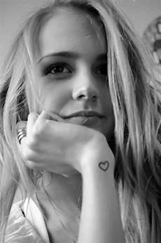 Herz Handgelenk - herz neben dem handgelenk tattoos piercings