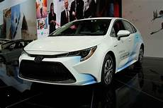 toyota corolla hybrid 2020 2020 toyota corolla hybrid earns 52 mpg combined from epa