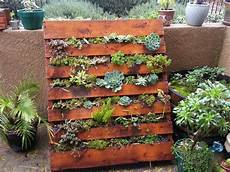 Pallet Gardens by How To Make A Wood Pallet Planter 42 Diy Ideas