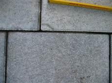 pflaster nach rütteln uneben probleme mit beton pflastersteinen