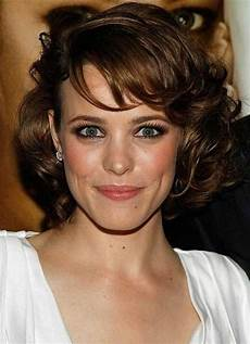 Hairstyles For Wavy Hair And Oval