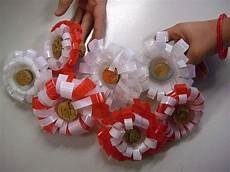 fiori con i bicchieri di plastica 14 best riciclo bicchieri plastica images on