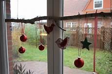deko zum hängen ins fenster blogging diy idee birkenast dekorieren