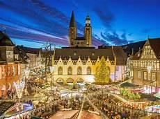 goslarer weihnachtsmarkt mit weihnachtswald