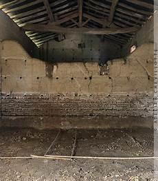 murs humides maison ancienne pathologie humide dans une maison ancienne chevillotte