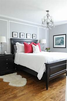 Bedroom Decor Ideas With Furniture by Master Bedroom With His And Hers Nightstands Gray Walls