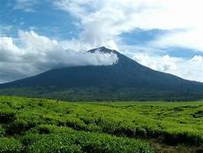Nama Gunung Di Indonesia Beserta Tinggi Dan Letaknya