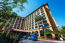 disneyland good hotel review wyndham anaheim
