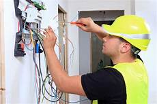 refaire l électricité d un appartement quand et pourquoi refaire l 233 lectricit 233 d un logement