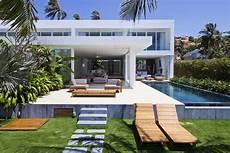 luxury villas capture the amazing vietnamese ocean views