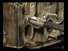 abgebrochene schraube rausdrehen schraubenentfernung mit ausdrehschraube removal