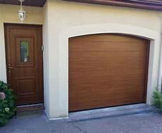 portes de garage sectionnelles plafond b plast
