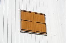 verniciare persiane riverniciare finestre e persiane poco degradate