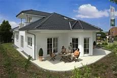 Moderner Bungalow Quot Riviera Quot Rensch Haus Haus Bau
