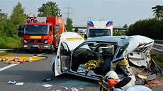 a31 unfall heute mann behindert bergungsarbeiten rettungshubschrauber im