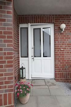 Haustüren Holz Weiß - wei 223 e rahmen haust 252 r aus holz mit kleinem seitenteil