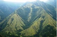 Nongkrong Cantik Di Gunung Nona Enrekang