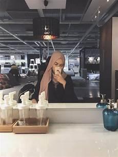 Wanita Berjilbab Selfie Cantik Di Belakang Cermin Cewek Cantik