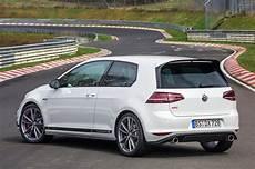 Golf Gti Clubsport S - volkswagen golf gti clubsport s debuts sets n 252 rburgring