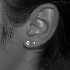 12 paires de puces d oreilles 224 porter sur le deuxi 232 me trou
