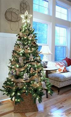 weihnachtsbaum rot silber geschmückt my woodland tree reveal the inspired room