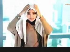 Tutorial Jilbab Segi Empat Simple Dan Cantik Terbaru 2015