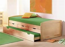 kinderbett ausziehbar ausziehbett in 90x200 cm aus massivholz kinderbett ben