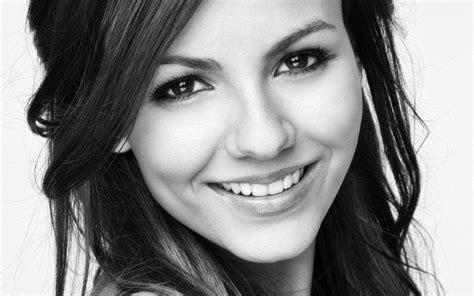 Victoria Justice Face