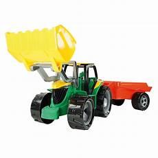 gro 223 er traktor mit schaufel anh 228 nger greenstories
