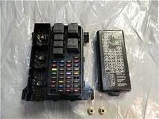 96 99 oem ford taurus fuse box junction block relay panel xf1t 14a067 aa ebay