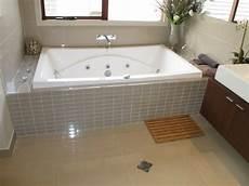wandbilder für badezimmer badezimmer ideen mit badewanne