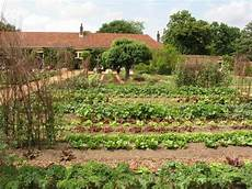 the many different types of gardening gardens and