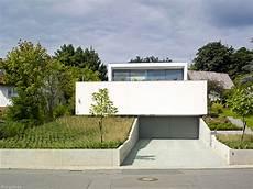 Garage Im Keller Einfahrt by Unter Dem Pool Liegt Die Garage Frankfurt Cube Magazin
