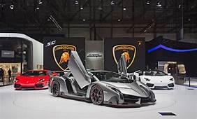 01 Lamborghini Booth – Geneva Motor Show 2013 / The Superslice