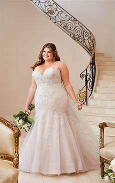 plus size wedding dress with glamorous lace stella york