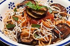 cucina pasta alla norma la cucina siciliana la tua italia