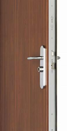 installation porte blindée installation d un bloc porte blind 233 pas cher fichet d