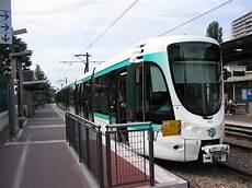 Tramway T2 La D 233 Fense Issy Les Moulineaux Christophe