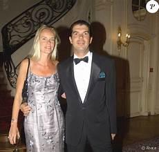 Le Prince Charles Emmanuel De Bourbon Devient Roi De La