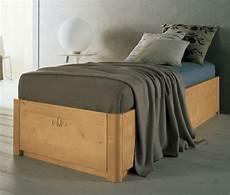 letti singoli in legno letto singolo sommier in legno massello