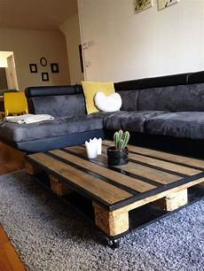 cr 233 er une table basse avec des palettes en bois viareno