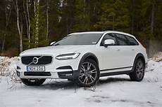 2017 Volvo V90 Cross Country Review Driving Impressions
