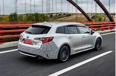 Toyota Corolla Touring Sports 2 0 Hybrid 2019 Review Autocar