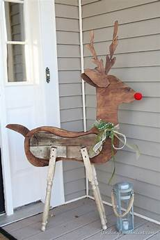 Wood Decorations Outdoor by Outdoor Decorating Reclaimed Wood Reindeer