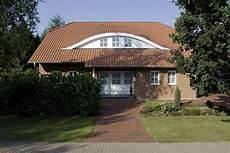 bungalow im landhausstil bungalow landhaus k 228 rnten ein fertighaus gussek haus