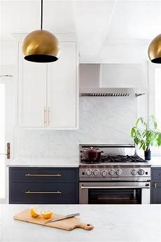 Kitchen Cabinets And Hardware Ideas by 9 Gorgeous Kitchen Cabinet Hardware Ideas Hgtv
