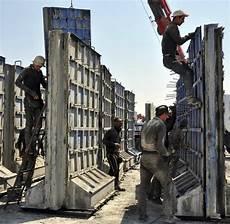Illegale Einwanderung Die Mauer Die Als Pr 228 Sident